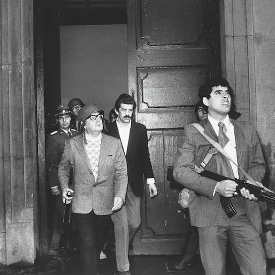 L'11 settembre 1973 il presidente della Repubblica del Cile, Salvador Allende, veniva vigliaccamente ucciso